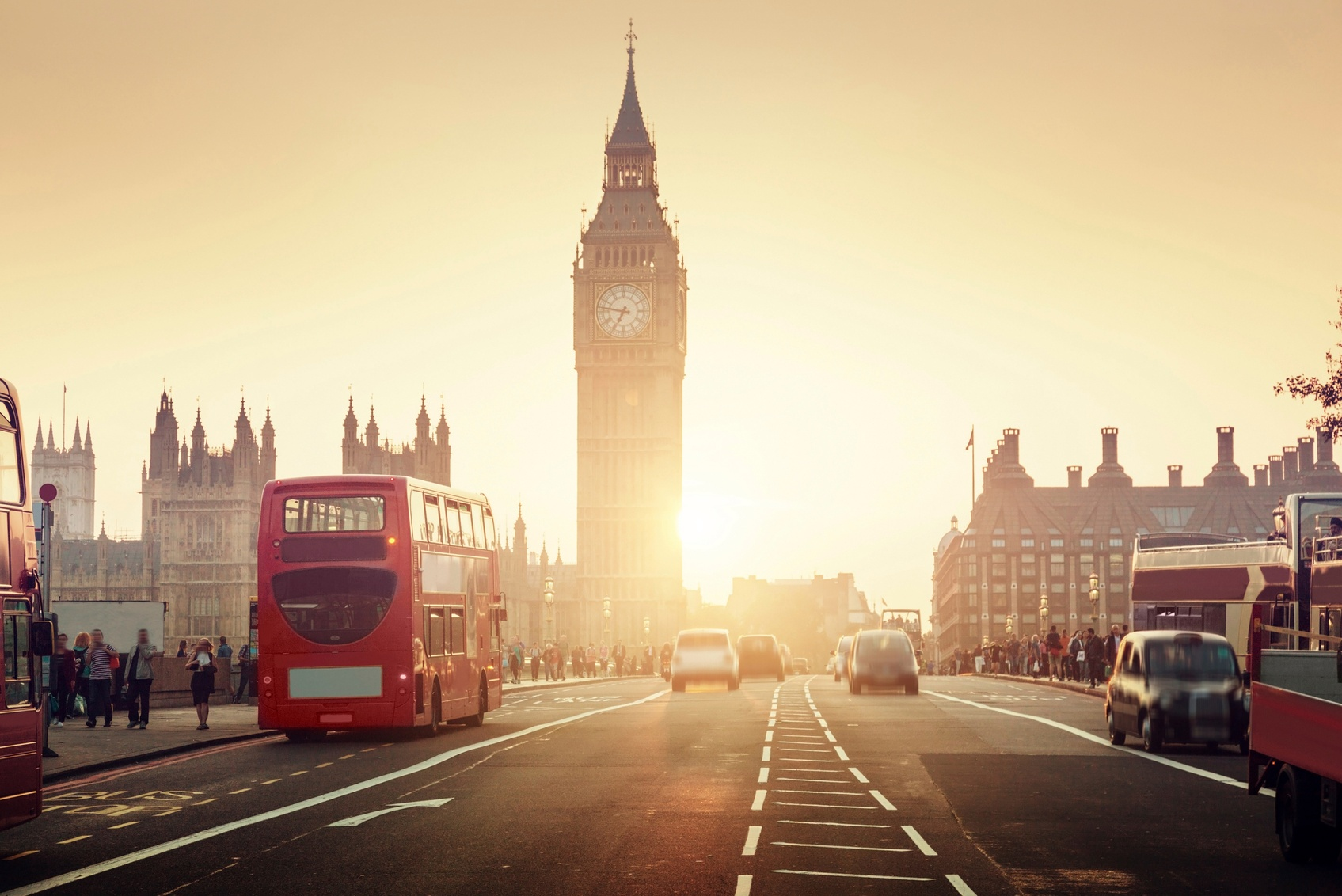 Westminster-Bridge-at-sunset-London-UK-000089217233_Medium.jpg